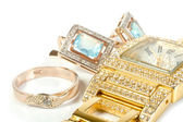 Zestaw biżuterii, pierścień, zegarek, kolczyki — Zdjęcie stockowe