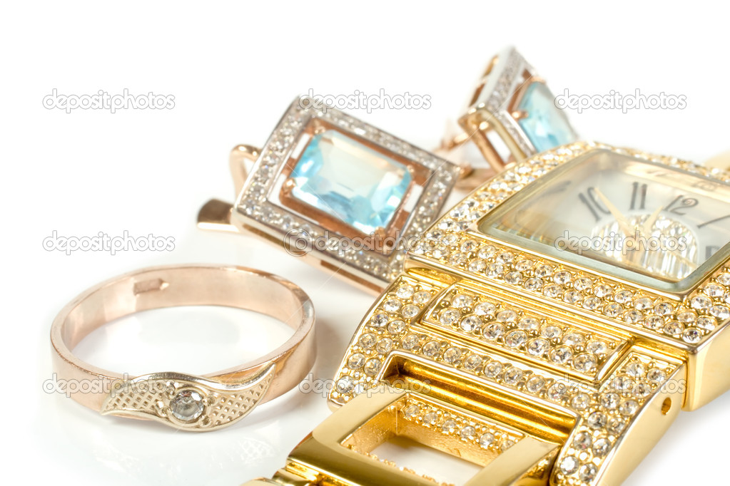 Jewelry set, ring, watch, earrings. Isolate on white. — Foto de Stock   #1549700