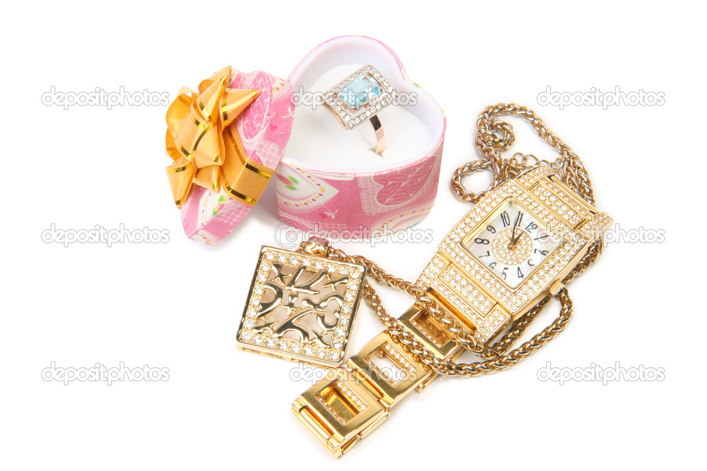 Jewelry set. Gold watch, ring and necklace. — Stock Photo #1549830