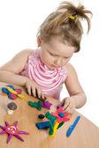 女孩玩色玩橡皮泥 — 图库照片