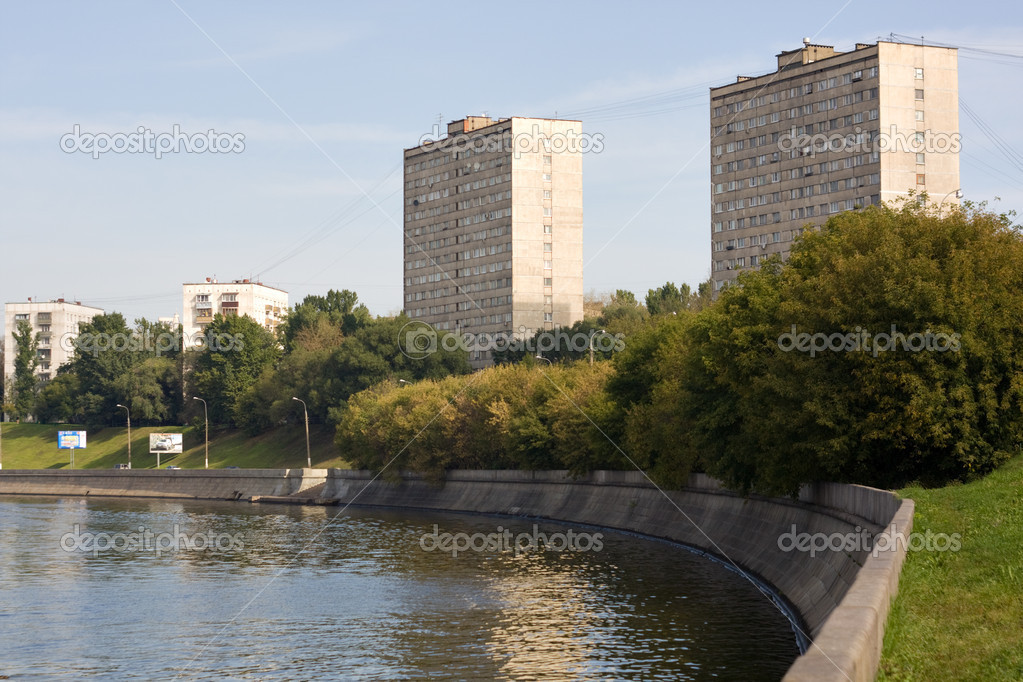View on a Moscow river and embankment — Stock Photo #2389282
