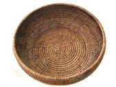 Round basket from rattan — Stock Photo