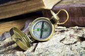 старый компас — Стоковое фото
