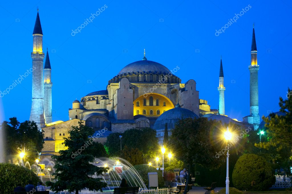 Holy Wisdom mosque in Istanbul, Turkey — Stock Photo #1554806