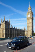 Taxi cab near of Big Ben — Stockfoto