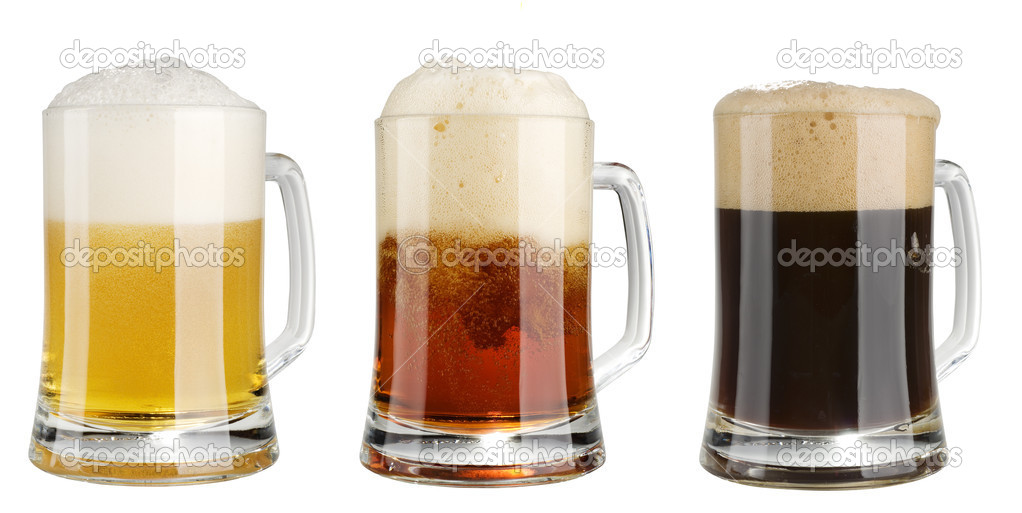 Three mugs of multicolor alcohol beer isolated  over white background — Foto Stock #1482828