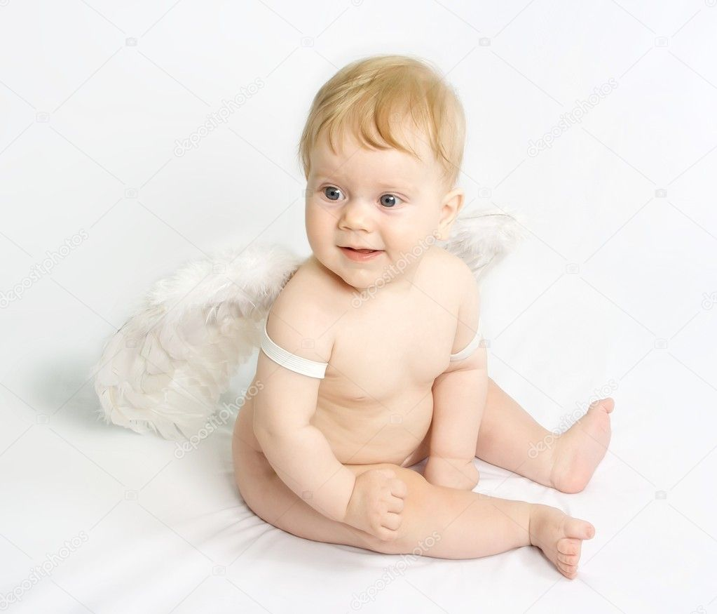 Baby angel with wings — Stock Photo #1509726