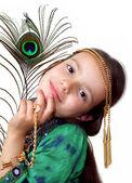 孔雀の羽を持つ少女 — ストック写真