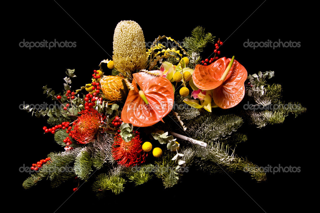 Flower arrangement on a black background — Stock Photo #1514140