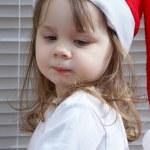 圣诞老人帽子的小女孩 — 图库照片