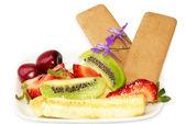 Diferentes frutas y galletas — Foto de Stock
