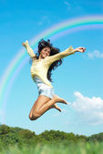 Girl jump in the park — Stockfoto