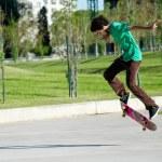 Guy rides a skateboard — Stock Photo