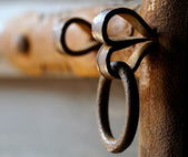 Metal lock on a ancient door — Foto de Stock