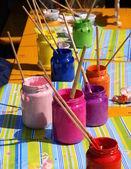Tipos diferentes de tinta para uma criança — Fotografia Stock