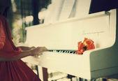 Piano - Tu me manques — Stock Photo