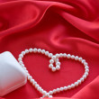 Pearl's necklace and jewelry box — Stock Photo #1569267