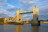 Londen. tower bridge. — Stockfoto