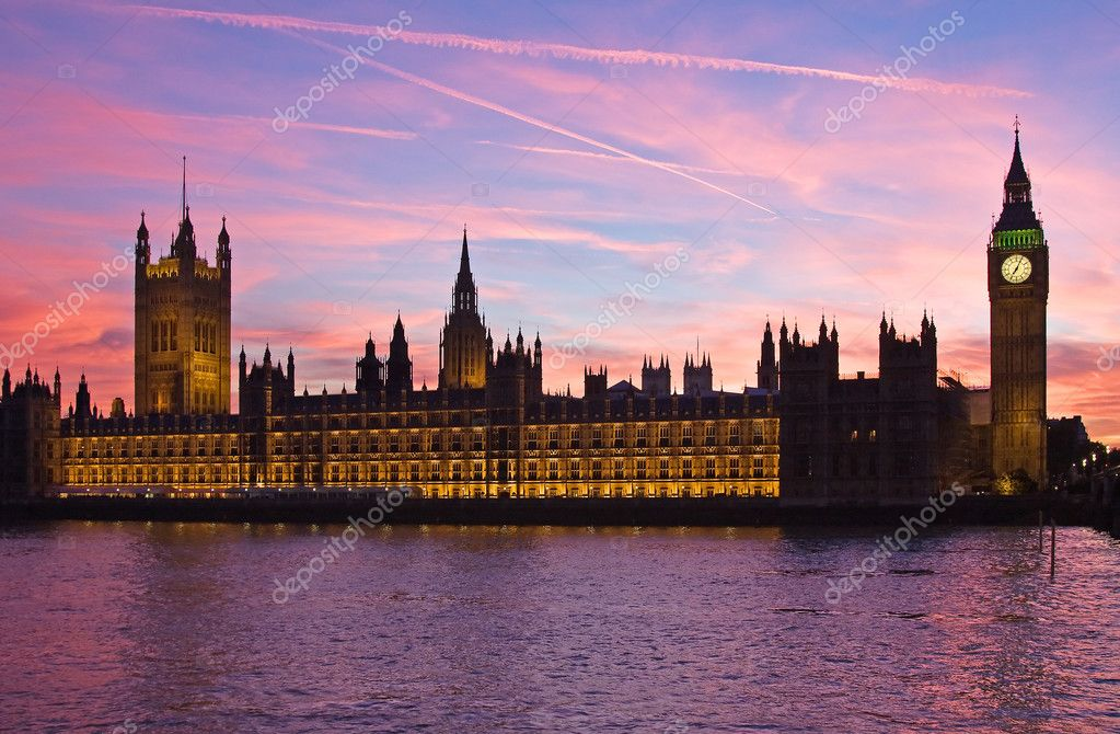 Famous Big Ben clock tower and Parliament building in London, UK. — Foto Stock #1522183