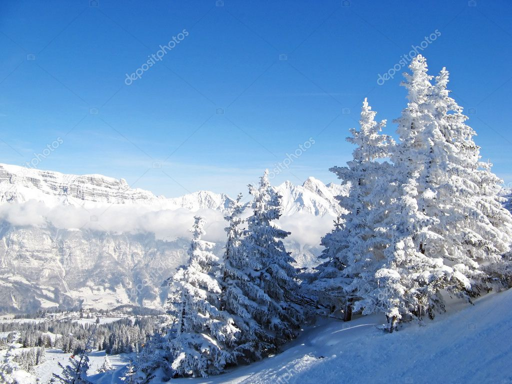 Slope on the skiing resort Flumserberg. Switzerland — Stock Photo #1526835