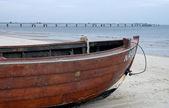 Boat at the beach — Stock Photo