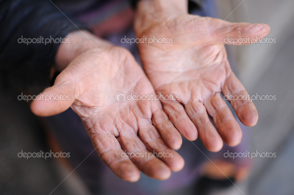 Hands of the old woman - 85 years age. 70 years works in collective farm. Russia. — Stock Photo #1532690