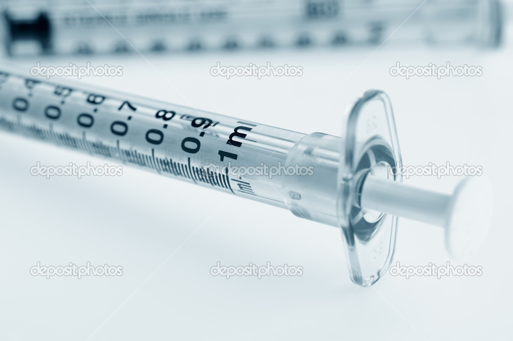 Syringe. The medical tool intended for injections  — Stock Photo #1533259