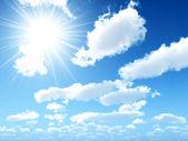 Ljusa strålar av solen — Stockfoto