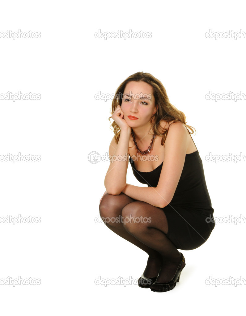 Фото сидящих на корточках девушек 10 фотография