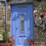 Le Vivieur, blue door, Brittany, France — Stock Photo