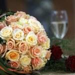 Bride bouquet with yellow orange roses — Stock Photo #1535967