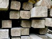 Close-up van een stapel van hout met balken — Stockfoto