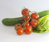 помидоры, огурцы и капуста — Стоковое фото