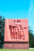 World War II monument with Soviet soldiers — Stock Photo