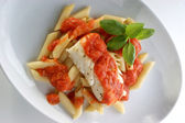 Gekochter Kabeljau-Loins mit Tomatensauce — Stockfoto