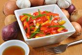Akdeniz kırmızı biber salatası — Stok fotoğraf
