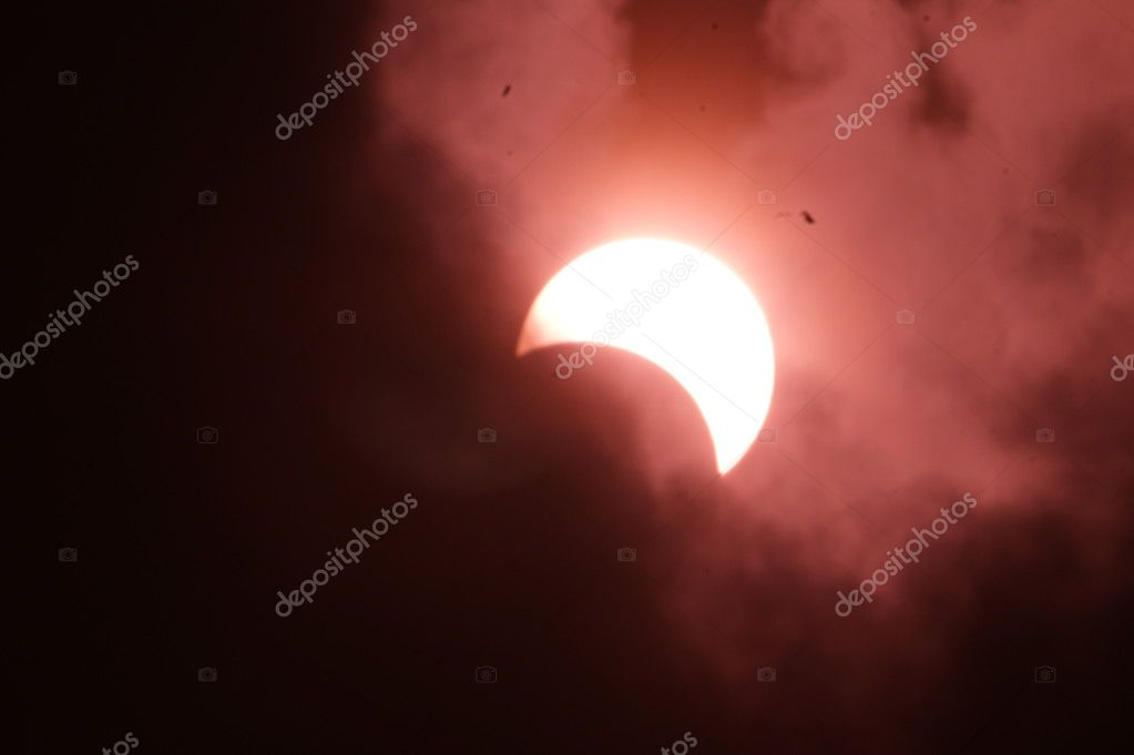 The final stage of solar eclipse — Stock Photo #1577602