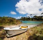 Barco en el lago ototoa — Foto de Stock