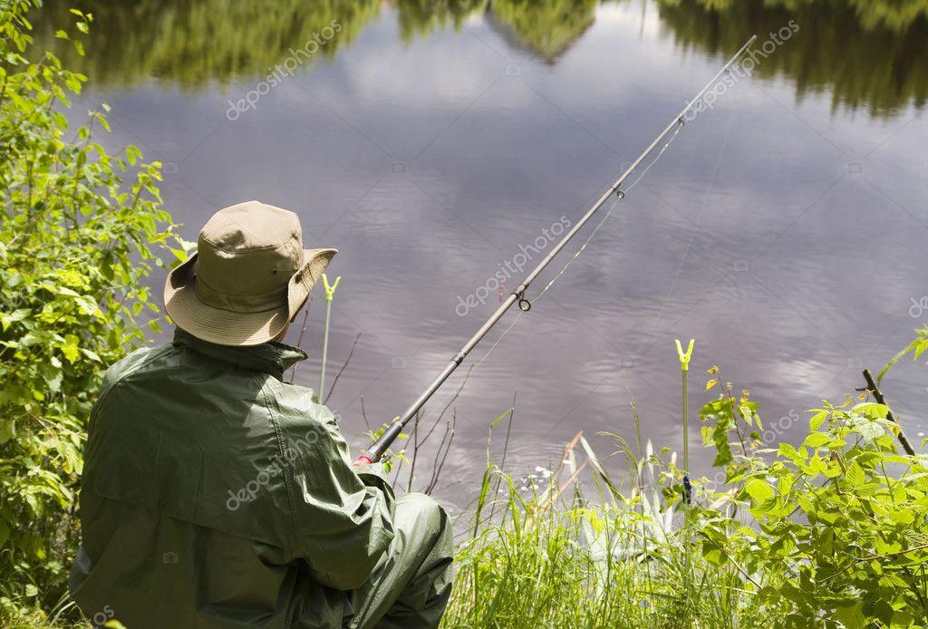 Фото рыбака на природе
