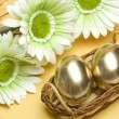 Easter golden eggs — Stockfoto
