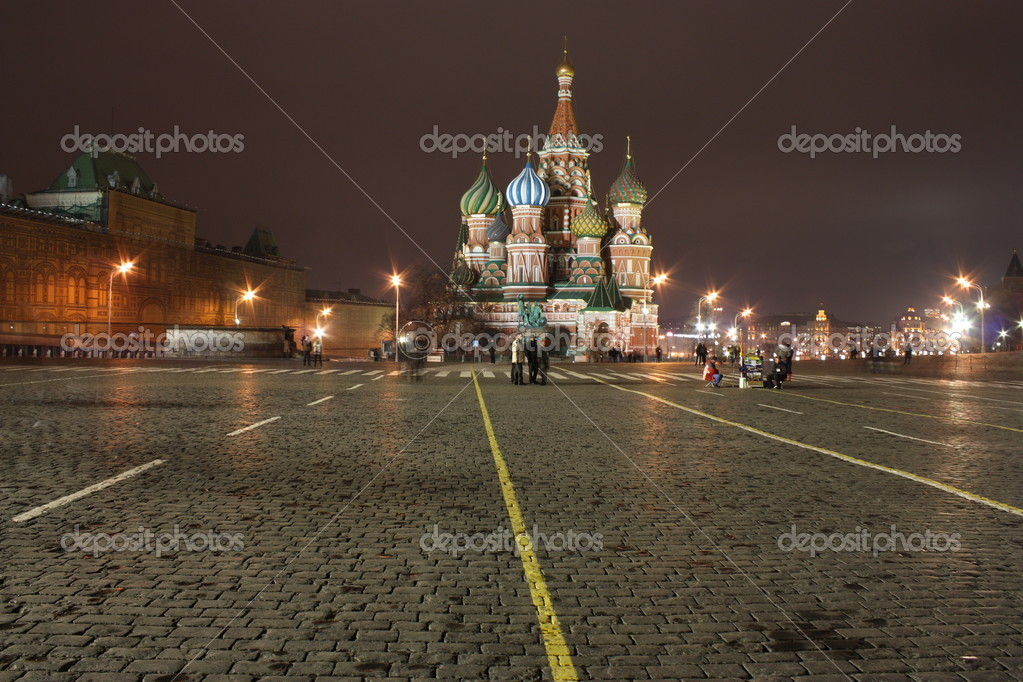 Moscow's Red square at night - cathedral of Vasili the Blissfull. — Stock Photo #1564999
