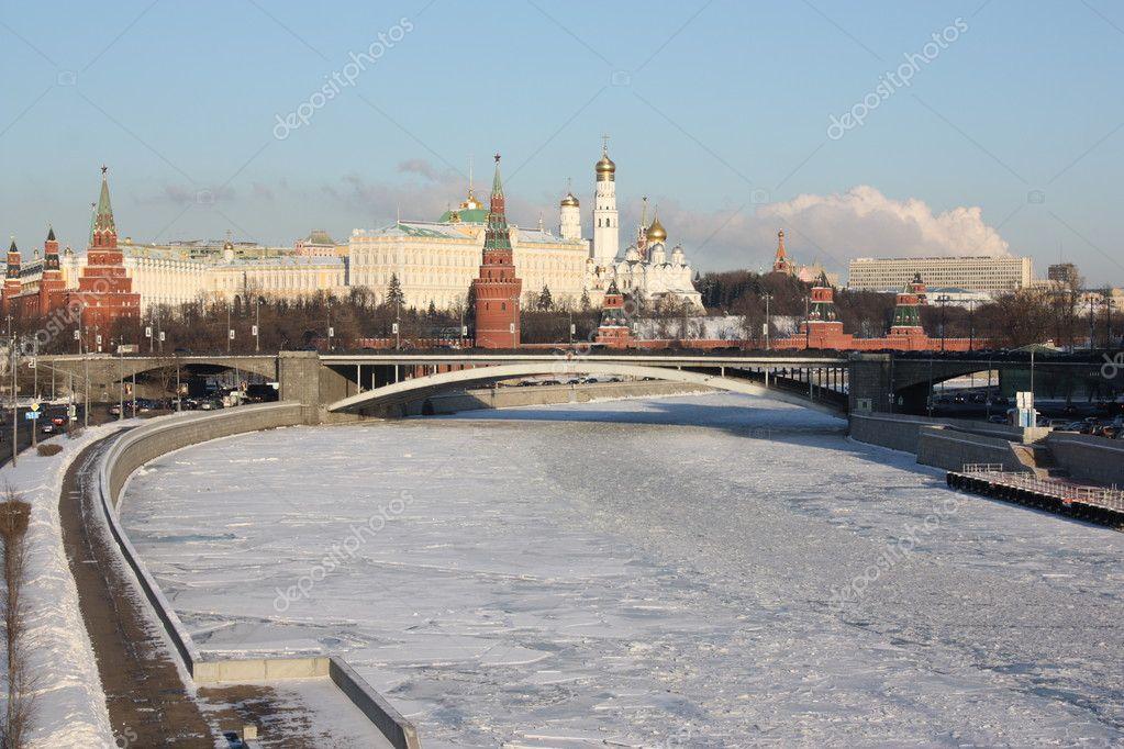 Льготы для многодетных семей в г Москве семья с 3  4
