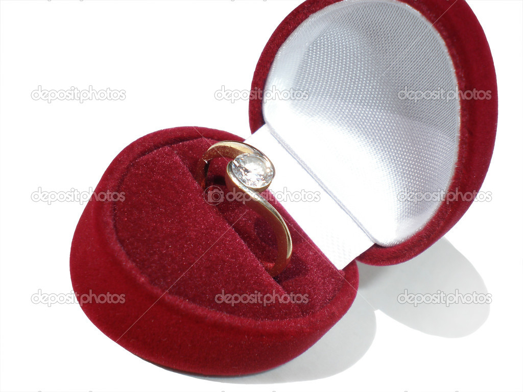 Engagement ring in red box — Stockfoto #1581238