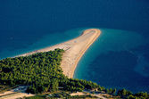 Golden sands of Croatia beach — Stock Photo