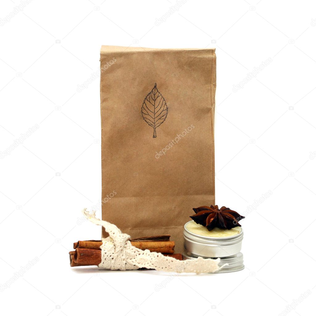Natural organic tea in a beige paper bag — Stock Photo #1657560