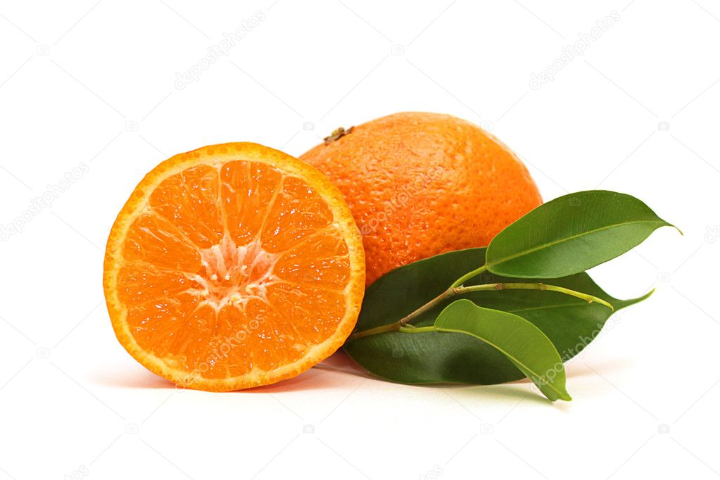 Fresh mandarin fruits with green leaves isolated on white background — Stock Photo #1793539