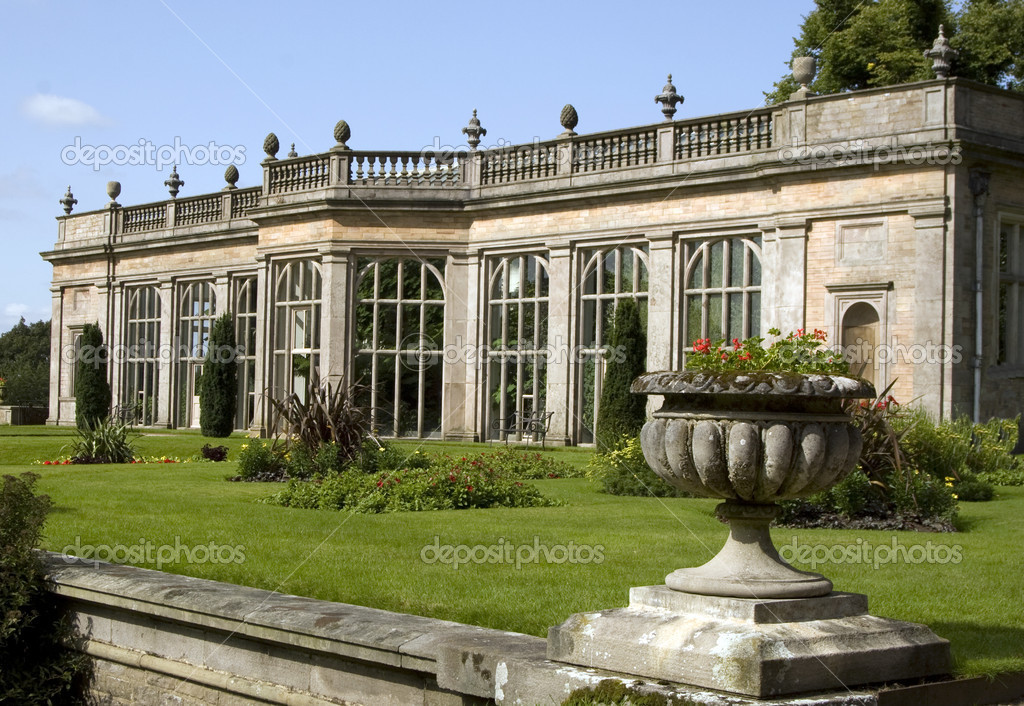 A view across the garden of a stately home — Stock Photo #1739829