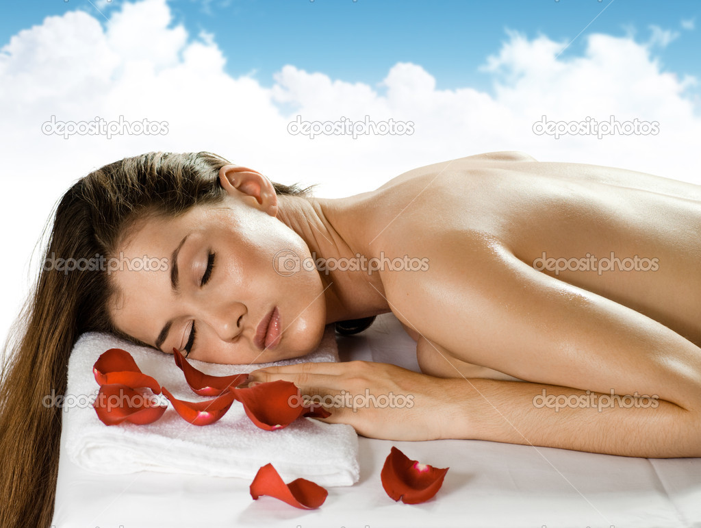 A young beautiful girl is being spa — Stock Photo #1806456