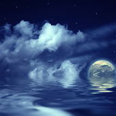 Moon and stars in the cloudy sky reflect — Stock Photo