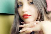 Tvář mladé ženy, krásná brunetka — Stock fotografie